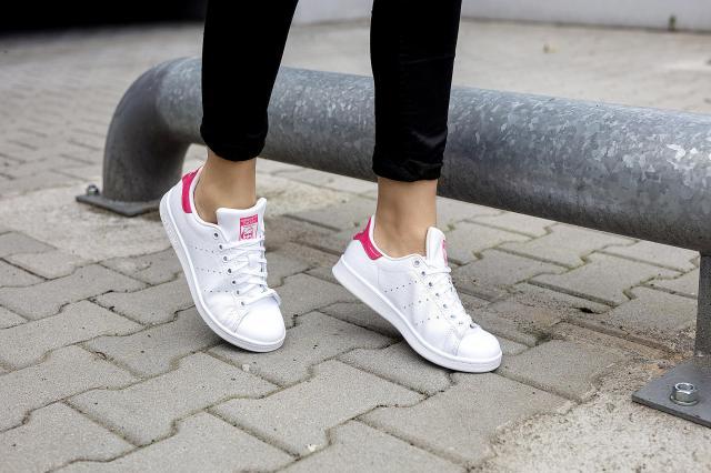 Poznaj najpopularniejsze modele obuwia marki adidas Originals